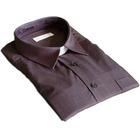 Camisa gris oscuro con cuello pala