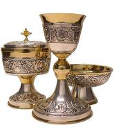 Conjunto de Cáliz, Copón y Patena de metal con baño de oro