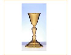 Cáliz de plata liso con acabado dorado