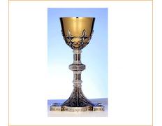 Cáliz de plata con copa dorada