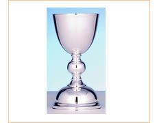 Cáliz de plata liso con 19 cm. de altura