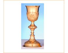 Cáliz de plata con el rostro de Jesús cincelado