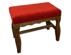 Banqueta de castaño con tapizado rojo