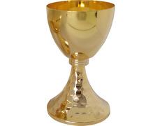 Cáliz sagrado de metal dorado