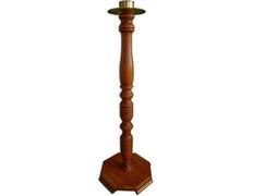 Candelero de pie fabricado en madera