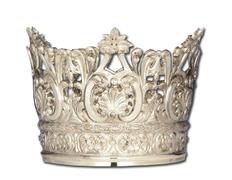 Corona de plata con elementos litúrgicos en relieve
