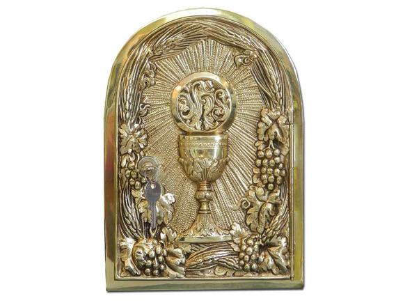 Sagrario de bronce con cáliz y JHS