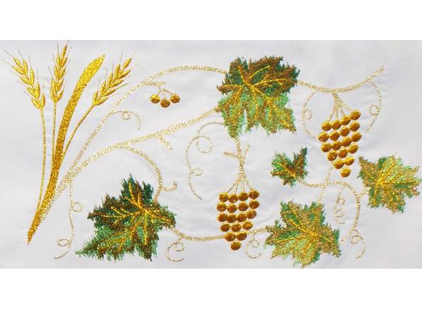 Mantel para altar con cáliz, Hostia, trigo y uvas bordadas