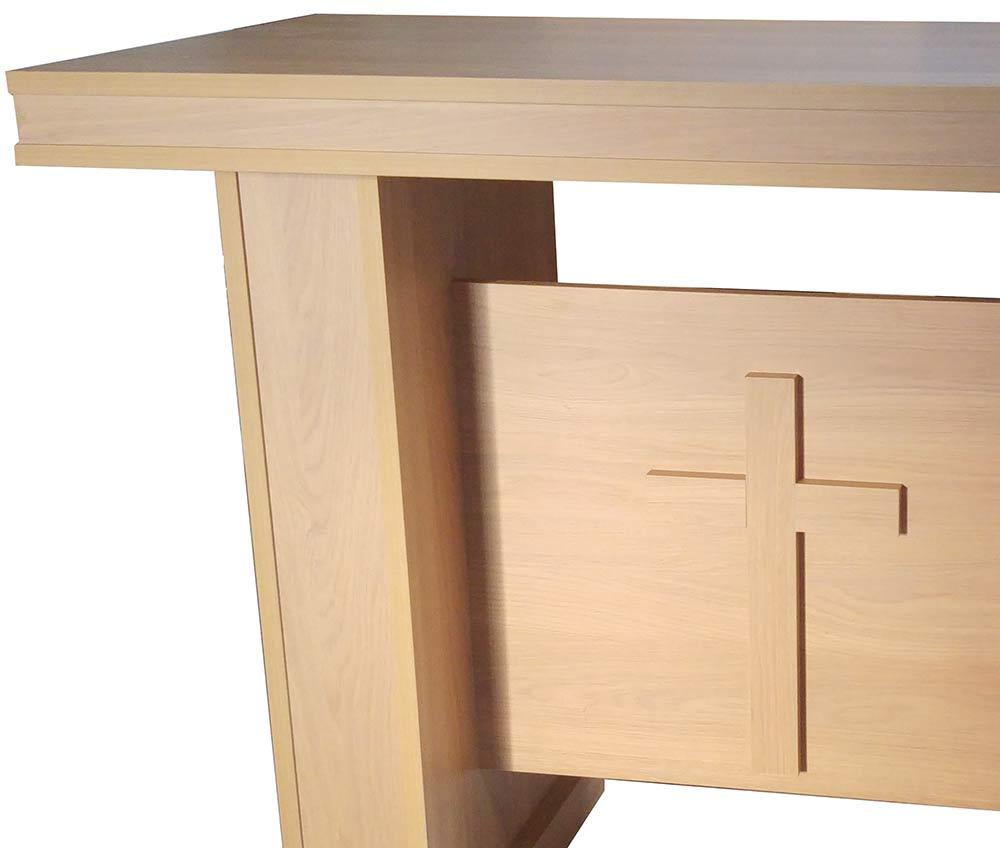 Mesa de altar imitaci n madera mesas de madera para iglesia for Sillas para iglesia en madera
